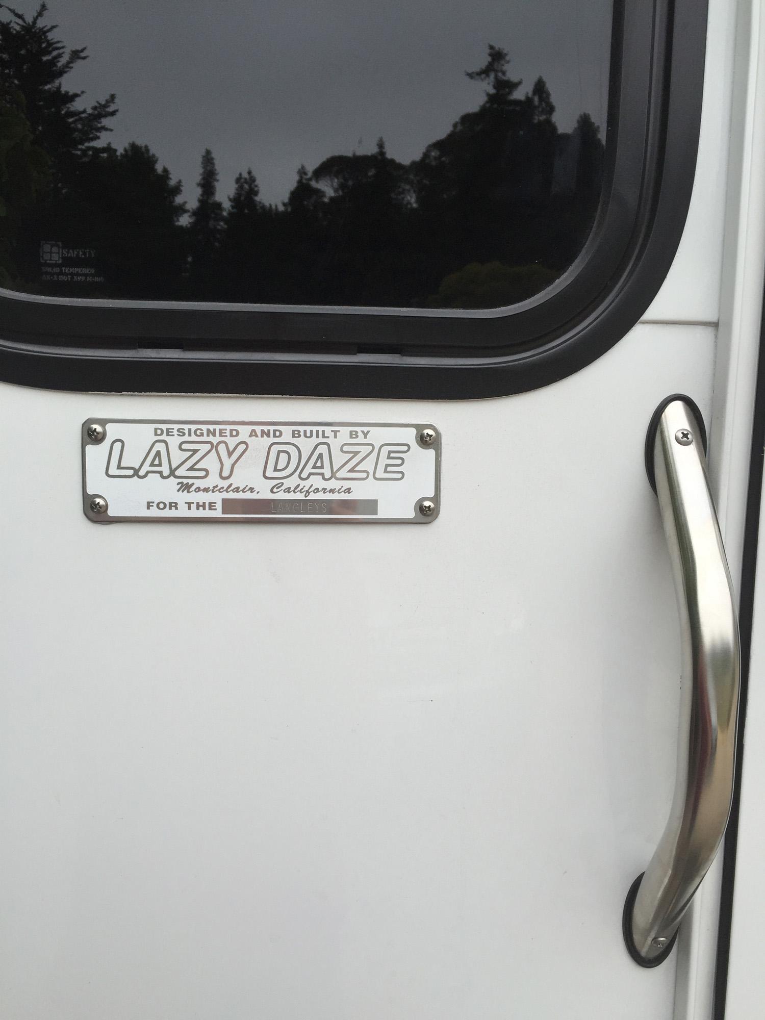 2016 Lazy Daze 24-foot Twin King Motorhome RV